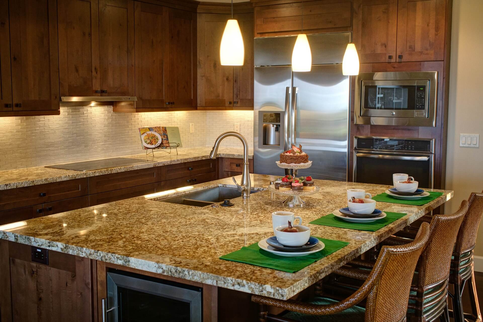 Kitchen Cabinet Resurfacing - SoFlo Kitchen Remodeling & Custom Cabinet Installation - backsplashes, flooring, countertops