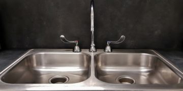 Kitchen Sinks, Fixtures, and Faucets