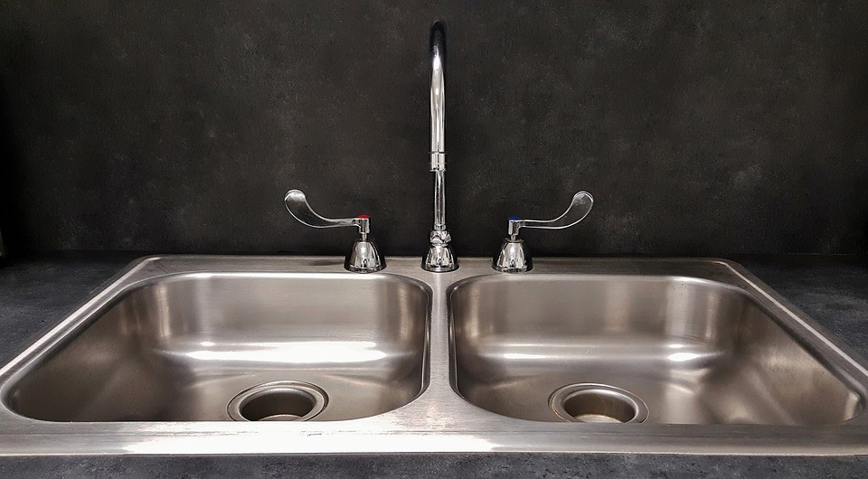 Kitchen-Sinks-Fixtures-and-Faucets-SoFlo-Kitchen-Remodeling-Custom-Cabinet-Installation-backsplashes-flooring-countertops