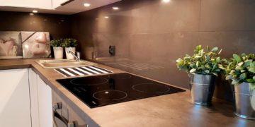 Kitchen Backsplash Paneling and Construction