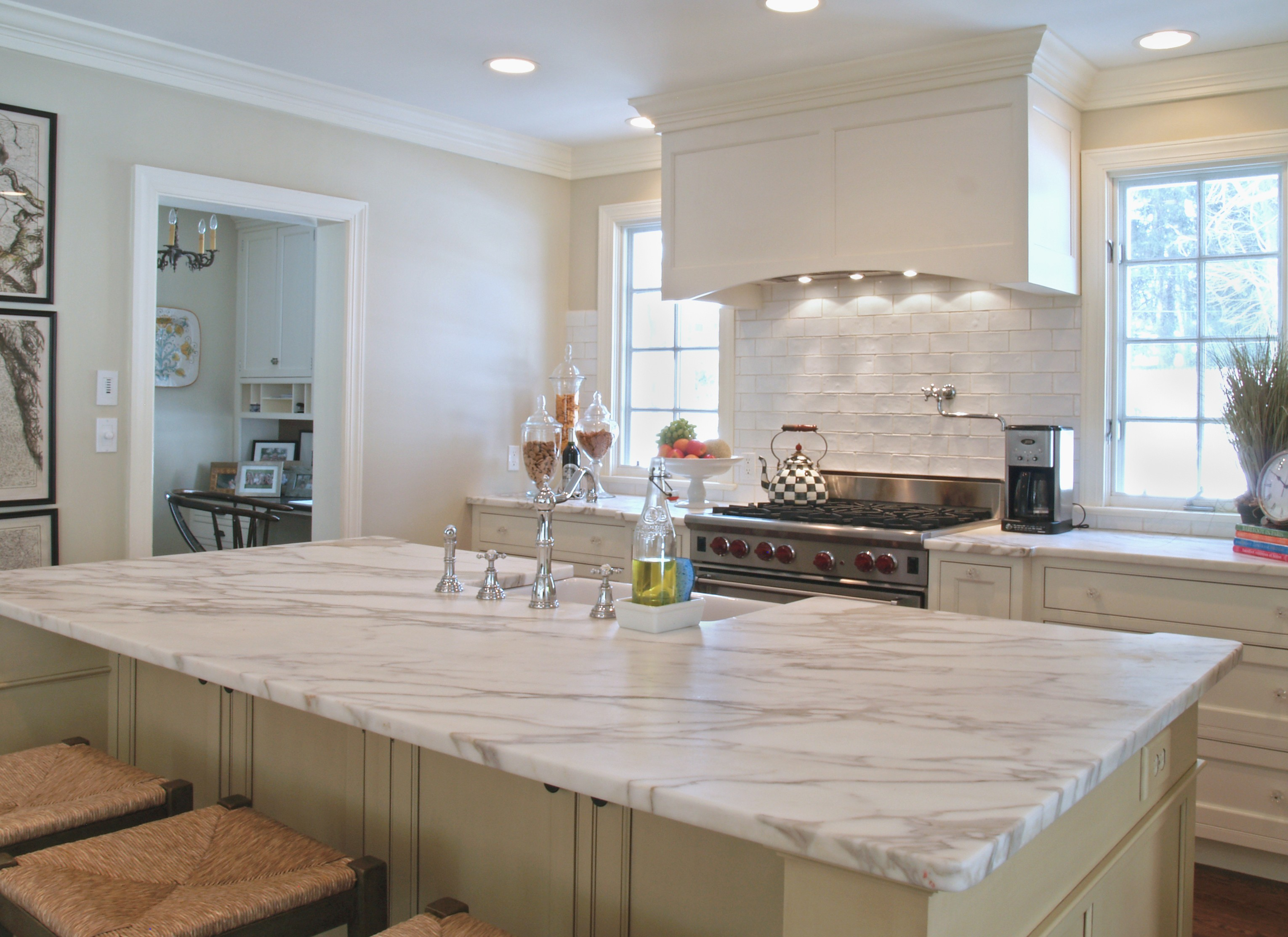 Kitchen Countertops and Surfaces - SoFlo Kitchen Remodeling & Custom Cabinet Installation - backsplashes, flooring, countertops